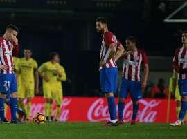 La déception des joueurs de lAtletico Madrid après un but de Villarreal, le 12 décembre 2016 au Madrigal