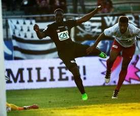 Un solitario gol de Mendy le valió al Guingamp para vencer al modestísimo Fréjus. AFP
