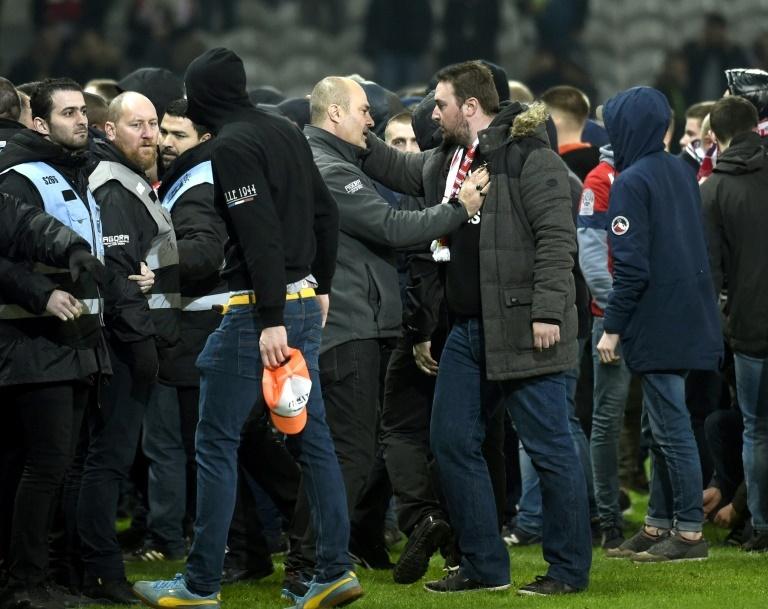 Le LOSC dépose plusieurs plaintes — Débordements à Lille