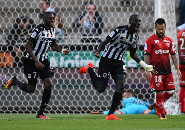 Lattaquant angevin Famara Diedhiou, buteur contre Dijon au stade Jean-Bouin dAngers, le 10 septembre 2016