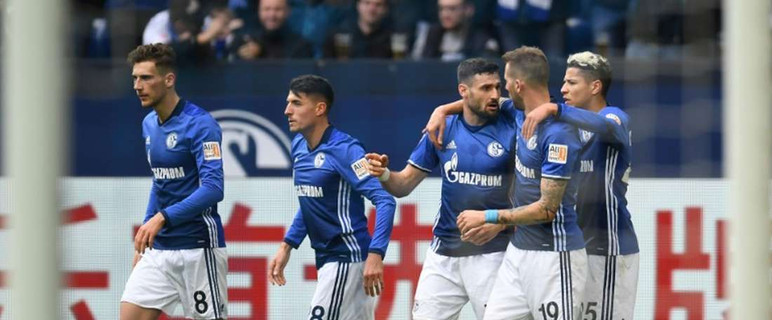 Schalke, bon dauphin. AFP