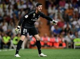 Courtois encajó cinco goles ante el Barcelona y otros cinco ante Suiza. AFP