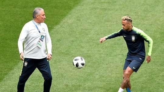 Tite no sabe quién será el capitán de Brasil. AFP