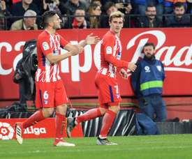 Griezmann, auteur dun doublé pour l'Atlético Madrid, est félicité par Koke. AFP
