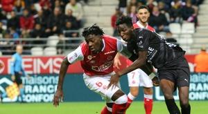 L1: Reims bute sur Nîmes et laisse filer la 2e place. AFP