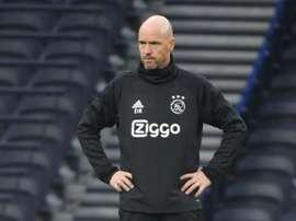 Erik ten Hag veut garder Van de Beek. AFP