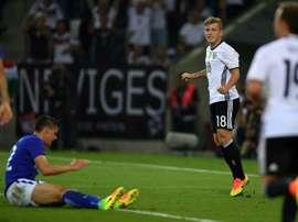 Le jeune Max Meyer après avoir ouvert le score pour lAllemagne face à la Finlande à Mönchengladbach, le 31 août 2016