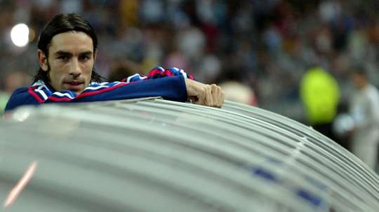 Robert Pires lors d'un match de qualification pour le Mondial-2006 au Stade de France. AFP