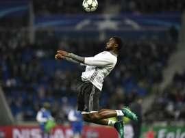 Le défenseur de Lyon Nicolas Nkoulou à l'échauffement. AFP