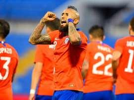 Vidal espera vestir novamente a camisa do Colo-Colo. AFP