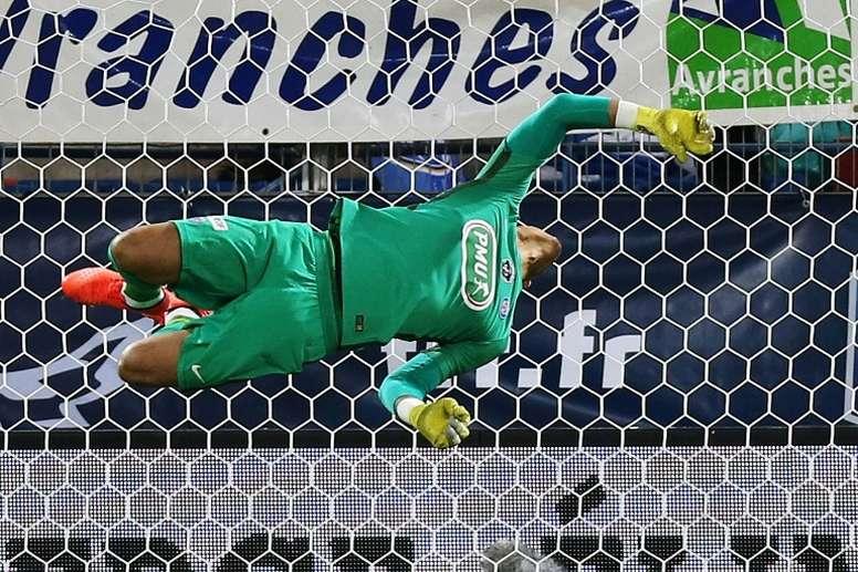 Areola salió airoso ante los miuras blancos. AFP