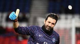 Buffon estreou com apenas 17 anos. AFP