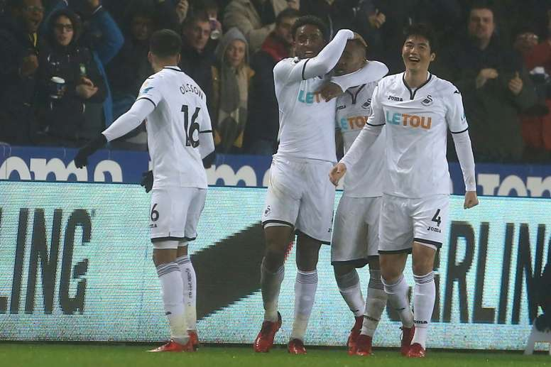 El Swansea venció por 3-1 al Arsenal. AFP