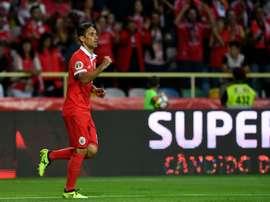 L'attaquant brésilien Jonas ouvre le score pour le Benfica face à Vitoria SC. AFP