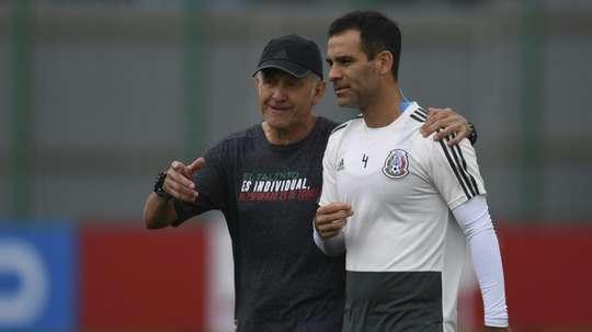 El colombiano podría marcharse del combinado nacional mexicano. AFP