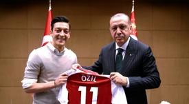 Özil fait de nouveau polémique. AFP