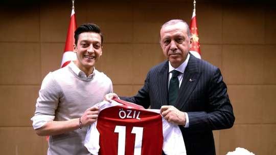 El caso Özil sigue dando que hablar. AFP