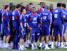 Le capitaine de léquipe de France Patrice Evra (c). AFP