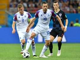 Le milieu de l'Islande, Gylfi Sigurdsson avec le ballon. AFP