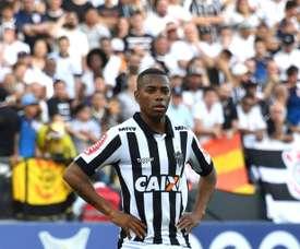 Robinho serait prêt à baisser son salaire pour retourner à Santos. AFP