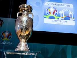 l'UEFA veut choyer les supporters. AFP