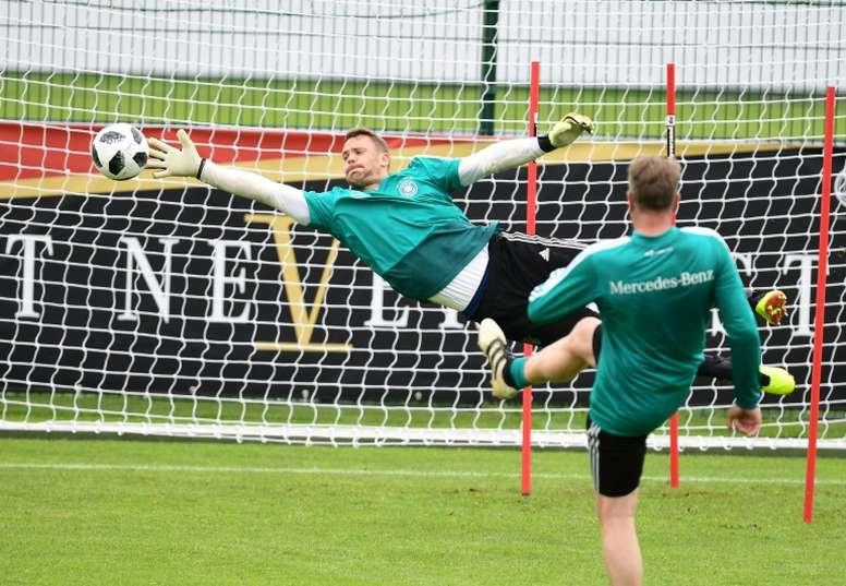 Neuer tiene todas las papeletas para ser titular en el Mundial. AFP
