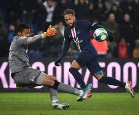 À Nantes, le gardien Lafont forfait contre le PSG. AFP