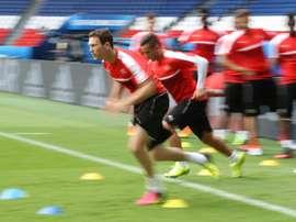 LIchtsteiner está en la agenda del Barcelona para reforzar el lateral. AFP