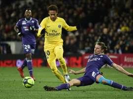 Neymar marcou para dar a vitória ao PSG. AFP