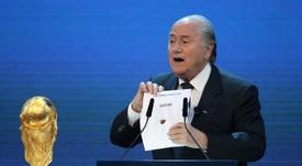 Blatter a évoqué la garde à vue de Platini. AFP