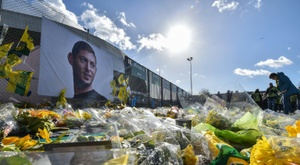 Un an après la disparition de Sala, polémiques et émotion perdurent. AFP