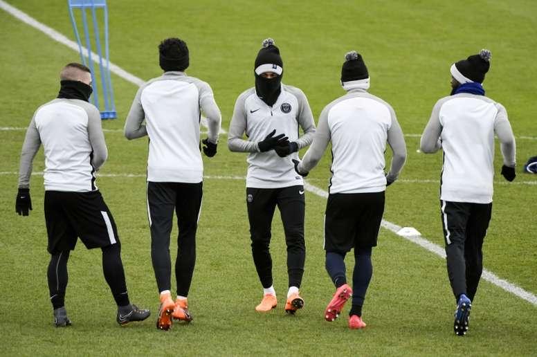 La star du PSG Neymar lors d'un entraînement. AFP