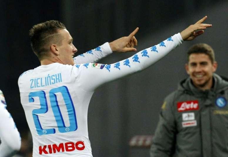 O polaco tem impressionado ao serviço do Napoli. AFP