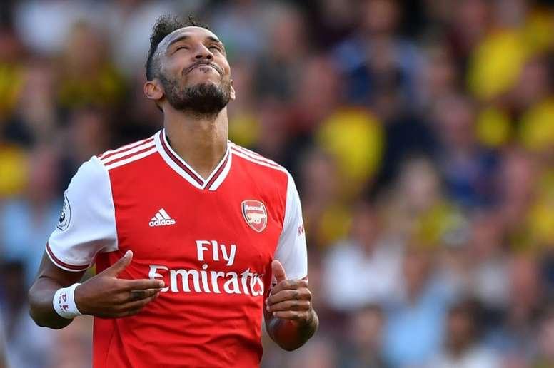 Aubameyang hizo los dos goles del Arsenal. AFP