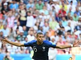 Kylian Mbappé lidera a lista dos jogadores mais rápidos do mundo. AFP