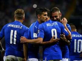 Goleada de Italia, que sigue segunda. AFP