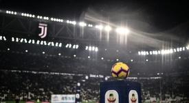La Serie A podría plantear que haya público reducido en las gradas. AFP