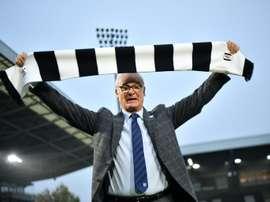 Claudio Ranieri se estrenó con un triunfo en el banquillo del Fulham. AFP/Archivo