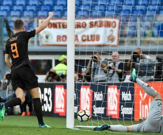 Dzeko marcou dois golos. AFP