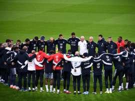 Attentats du 13 novembre: les Bleus se recueillent au Stade de France. AFP