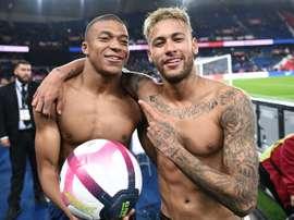 Neymar e Mbappé não querem sair do PSG. AFP