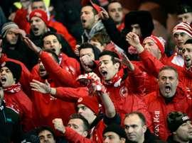 Supporteurs de lOlympiakos lors du match de Ligue des champions face au PSG au Parc des Princes, le 27 novembre 2013