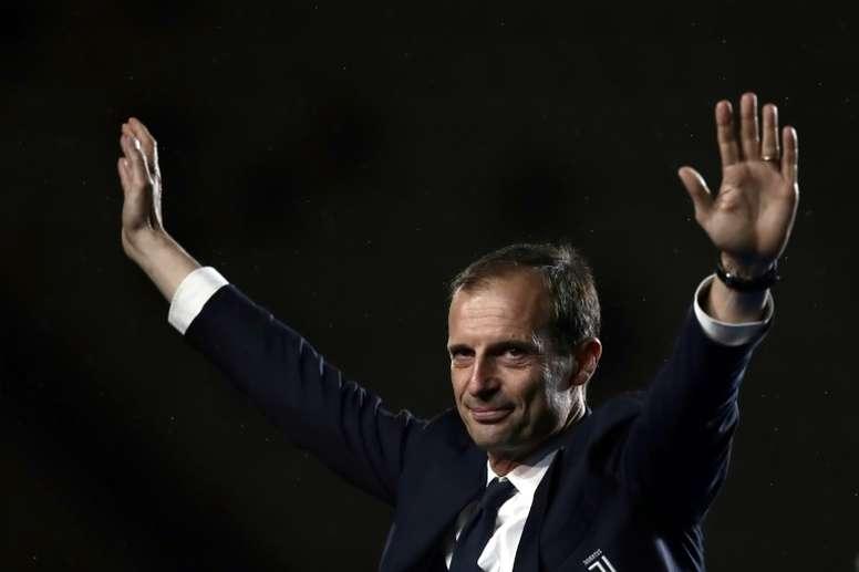 El representante de Allegri abre puertas fuera de Italia. AFP
