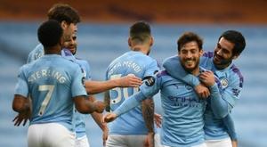 Premier League volta a atrasar as datas do mercado. AFP