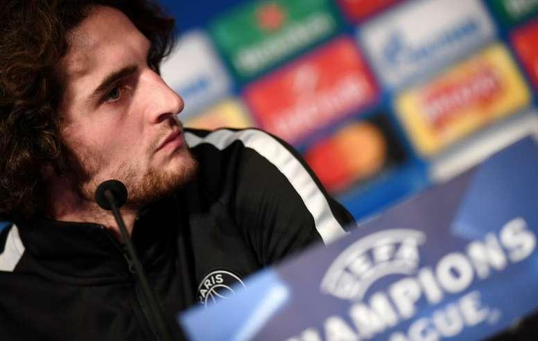 El Barcelona vuelve a considerar el fichaje de Rabiot. AFP