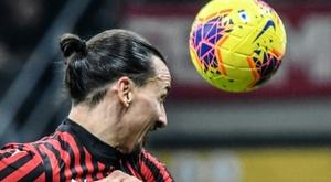 Les matches maintenus malgré le coronavirus, Milan battu. AFP