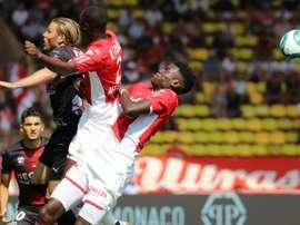 L'arbitre menace d'arrêter le match Monaco-Nîmes. AFP