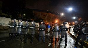 Trois morts et sept blessés en marge d'un match de football. AFP