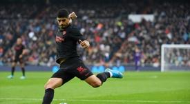 A la afición del Sevilla no le sentó nada bien la decisión de Banega. AFP