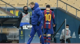 Salinas ve fuera del Barcelona a Messi. AFP